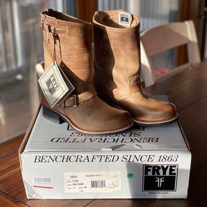 Frye Engineer 12R women's size 8, Sand leather.
